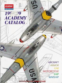 Le catalogue grand format 1998 de kits et maquettes Academy