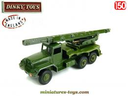 Le camion International lance missile Honest John miniature Dinky Toys au 1/50e