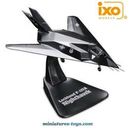 L'avion furtif Lockheed F117A Nighthawk en miniature métal au 1/144e