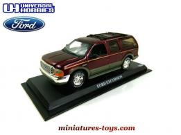 Le Ford Excursion miniature d'Universal Hobbies au 1/43e