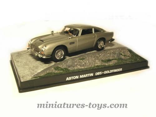 l 39 aston martin db5 de james bond en miniature par universal hobbies au 1 43e miniatures toys. Black Bedroom Furniture Sets. Home Design Ideas