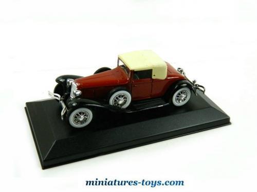 une boite vitrine pour exposer vos voitures miniatures miniatures toys. Black Bedroom Furniture Sets. Home Design Ideas
