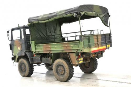le camion renault trm 2000 b 226 ch 233 arm 233 e fran 231 aise au 1 50e de solido en boite miniatures toys