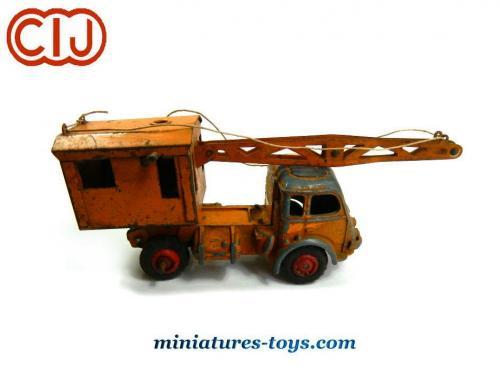 le camion grue renault fain u00e9ant 1950 en miniature de cij