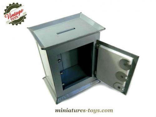 le coffre fort jouet en m tal de style jouet ancien miniatures toys. Black Bedroom Furniture Sets. Home Design Ideas