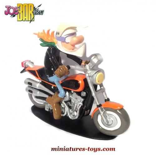 la figurine de jeremie lapur e sur son harley davidson du joe bar team au 1 18e miniatures toys. Black Bedroom Furniture Sets. Home Design Ideas