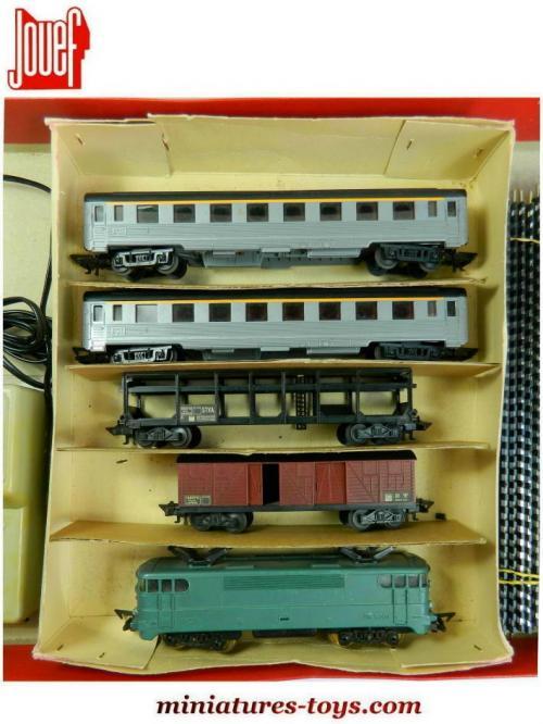le coffret du train lectrique sud express 826 en miniature de jouef au h0 miniatures toys. Black Bedroom Furniture Sets. Home Design Ideas