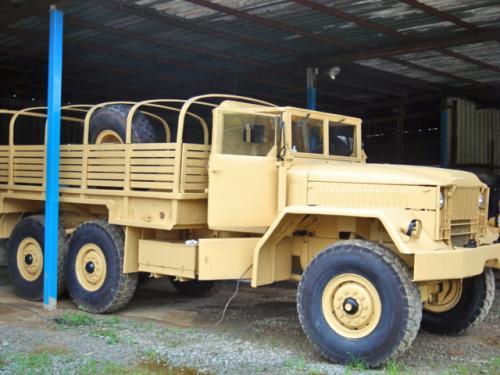 le camion militaire kaiser jeep 6x6 m34 sable en miniature de solido au 1 50e miniatures toys. Black Bedroom Furniture Sets. Home Design Ideas