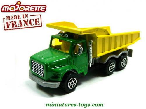 le camion benne vert et jaune en miniature de majorette au 1 50e miniatures toys. Black Bedroom Furniture Sets. Home Design Ideas