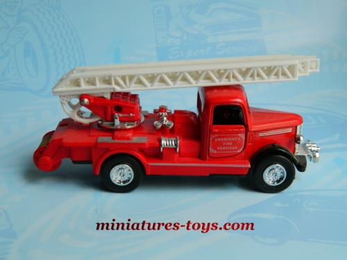 le camion bedford grande chelle de pompiers am ricain miniature au 1 50e miniatures toys. Black Bedroom Furniture Sets. Home Design Ideas